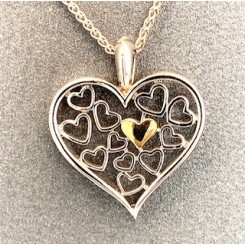 Romance vedhænget med guld hjerte